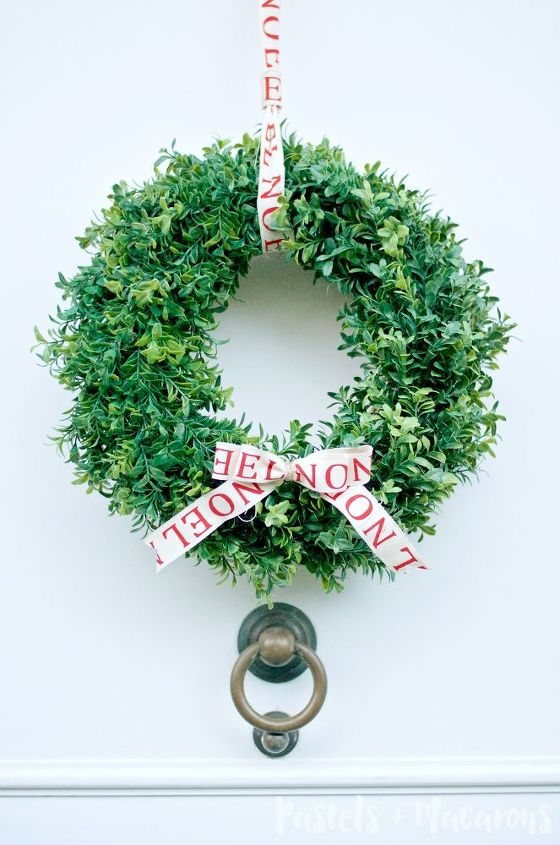 diy faux christmas boxwood wreath that lights up, christmas decorations, crafts, seasonal holiday decor, wreaths
