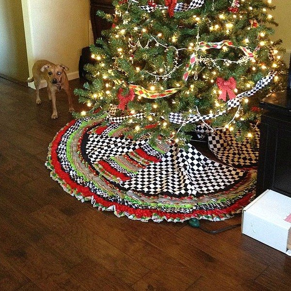37 Diy Home Gifts That Looks Expensive: 15 Gorgeous Christmas Tree Skirts That Only Look Expensive