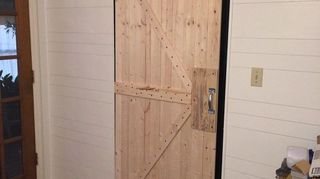 , 1 door completed