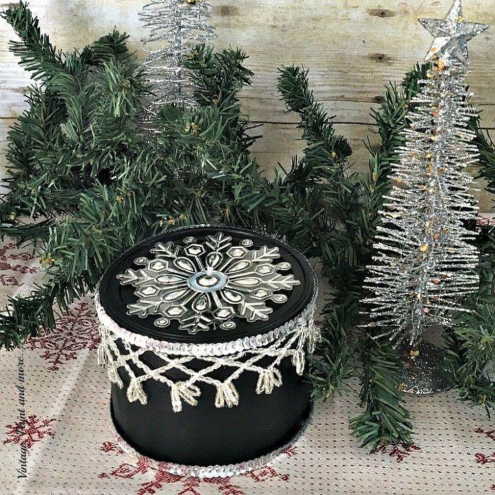 diy multipurpose gift wrap, christmas decorations, crafts, seasonal holiday decor
