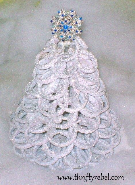 christmas tree shower curtain ring, christmas decorations, repurposing upcycling, seasonal holiday decor