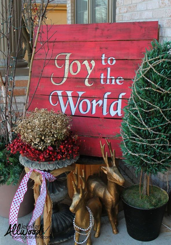 joy to the world christmas pallet, christmas decorations, pallet, seasonal holiday decor