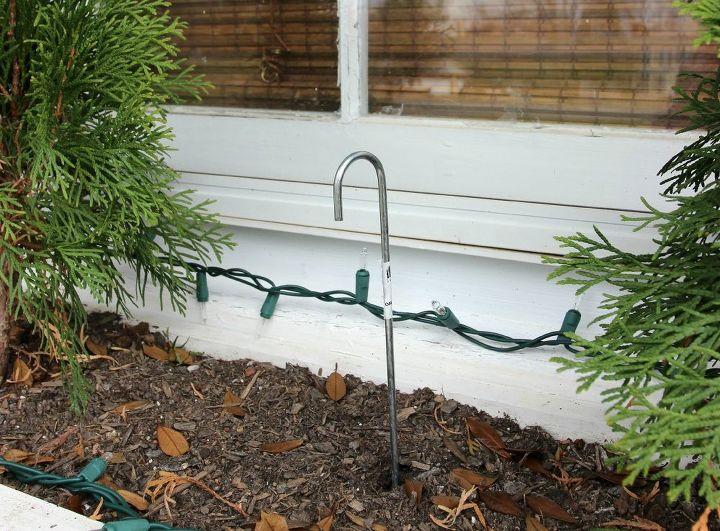 easiest christmas window box idea ever, christmas decorations, crafts, seasonal holiday decor