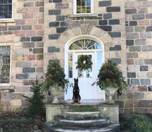 natural holiday styling for outdoors, christmas decorations, curb appeal, doors, hydrangea, seasonal holiday decor