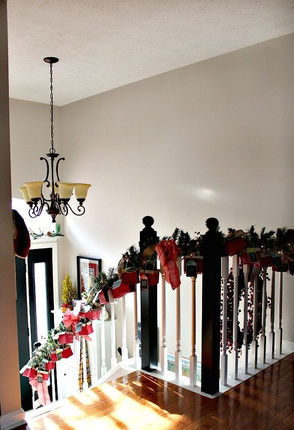 christmas entry advent calendar garland, christmas decorations, crafts, seasonal holiday decor