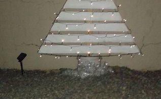 christmas tree pallets diy decoration, christmas decorations, pallet, seasonal holiday decor