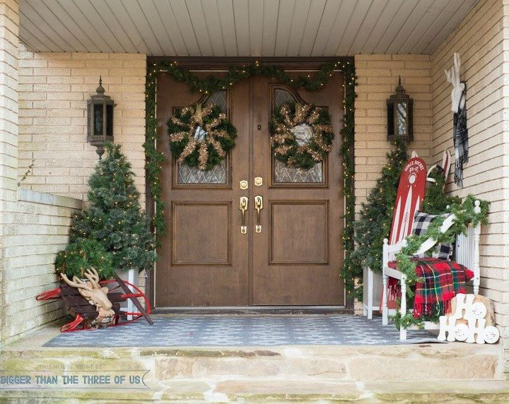 s you haven t seen christmas til you ve seen these 14 breathtaking homes, christmas decorations, seasonal holiday decor, Fabulous Front Porch