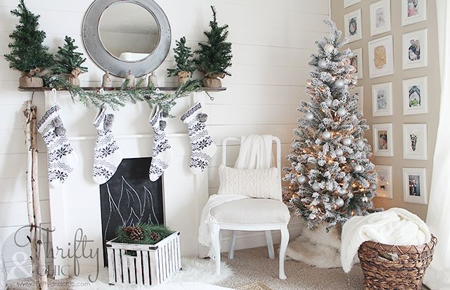 s you haven t seen christmas til you ve seen these 14 breathtaking homes, christmas decorations, seasonal holiday decor, Black White Beautiful