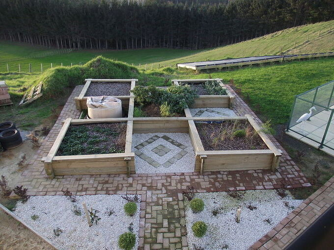 raised beds with almost no nails, diy, gardening, raised garden beds, woodworking projects