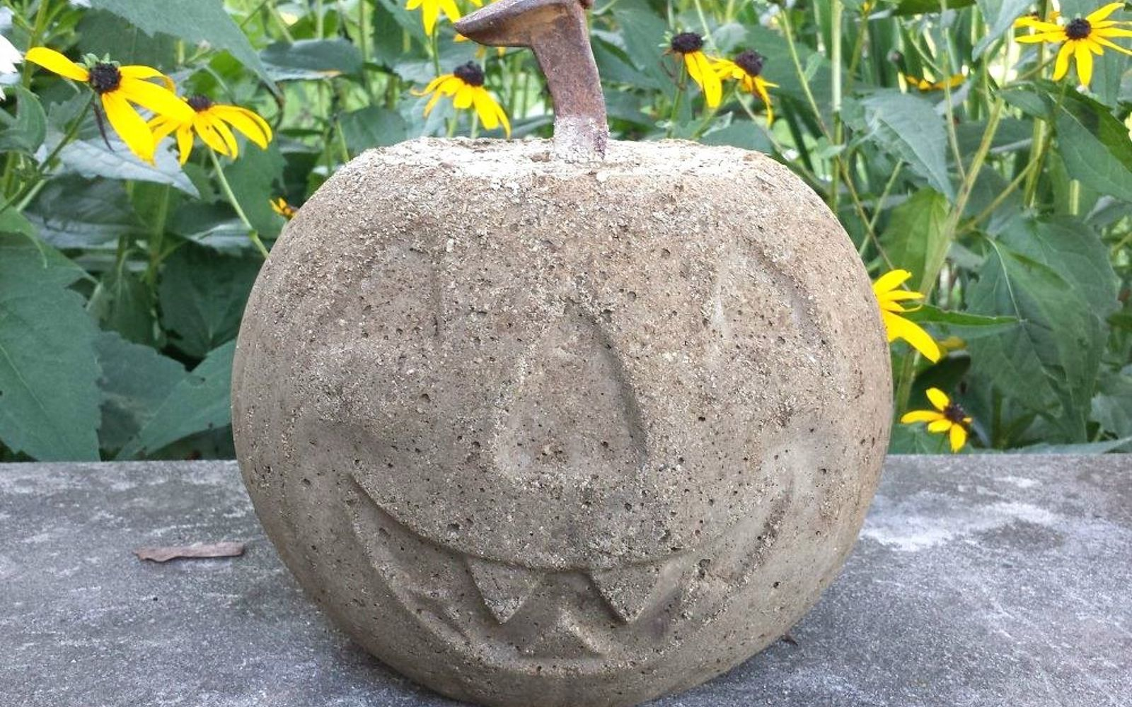 s the 15 most brilliant ideas people came up with in 2015, crafts, diy, home improvement, Concrete Pumpkins from Buckets