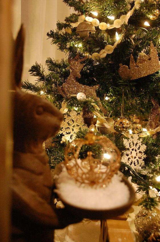 everyday decor and a little upcycle for christmas, christmas decorations, home decor, seasonal holiday decor