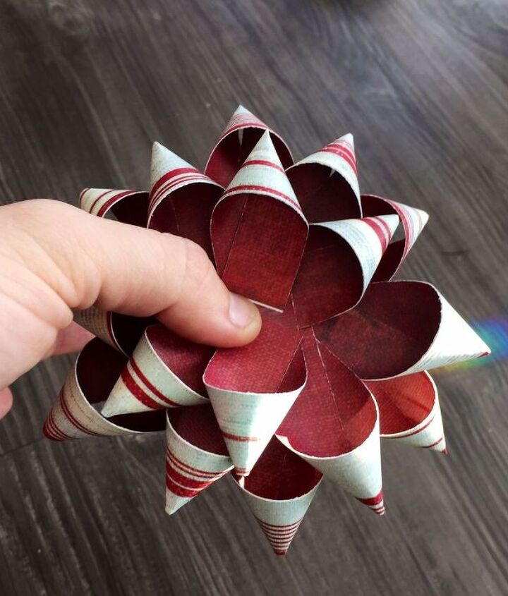 s 13 insanely creative things to do with last year s calendar, crafts, Cut Strips for Gift Bows