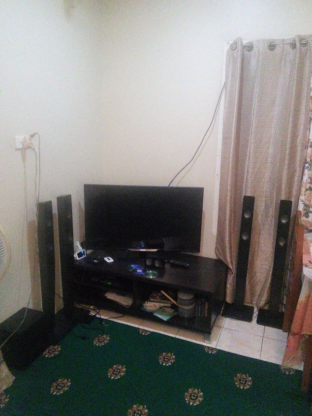 q corner tv cabinet, entertainment rec rooms, home decor, home decor dilemma, A TV cabinet which properly sits in a v shape at the corner