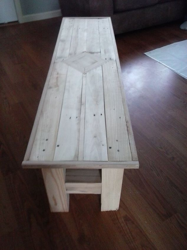 1 pallet 1 4x4 post coffee table, painted furniture, pallet, woodworking projects