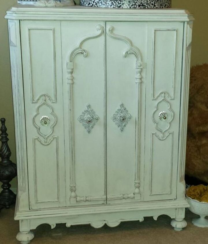 1930 s vintage radio cabinet redo painted, chalk paint, painted furniture