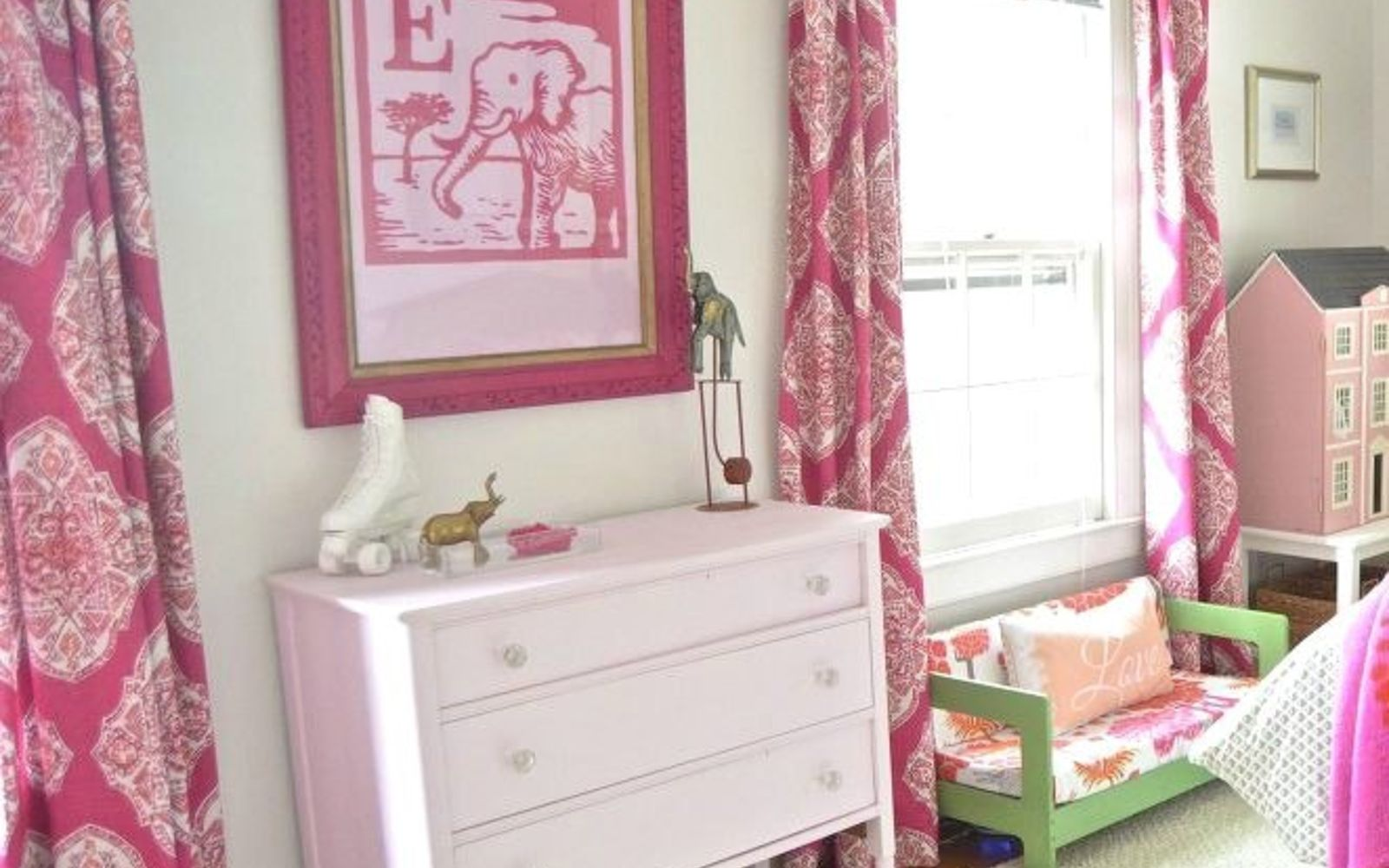 s 10 awesome paint colors to try in 2016, bedroom ideas, home decor, paint colors, Satin Magenta Rustoleum