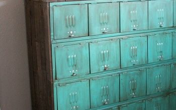 How to Paint Metal Locker-upcycle Storage
