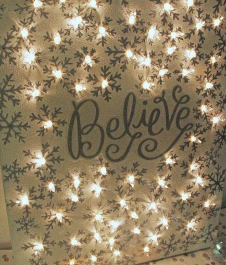 s 14 string light ideas that are cozier than your bed, bedroom ideas, lighting, Sparkling Lighted Canvas