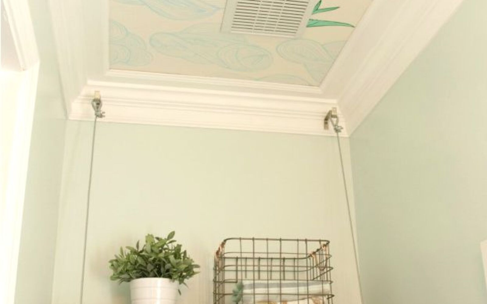 s 10 awesome paint colors to try in 2016, bedroom ideas, home decor, paint colors, Bluegrass White Glidden