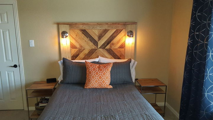 Plank Wood And Pallet Wood Headboard With Accent Lights