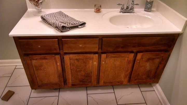 vanity makeover on a low budget, painted furniture