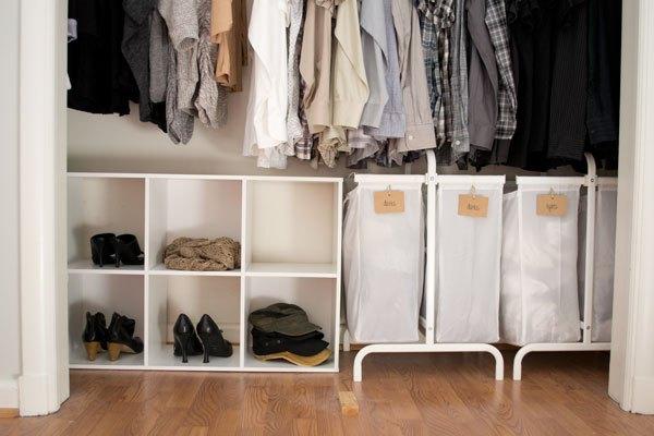 https://cdn-fastly.hometalk.com/media/2016/01/12/3170421/how-we-organized-our-small-bedroom-bedroom-ideas-closet-organizing.jpg?size=786x922&nocrop=1
