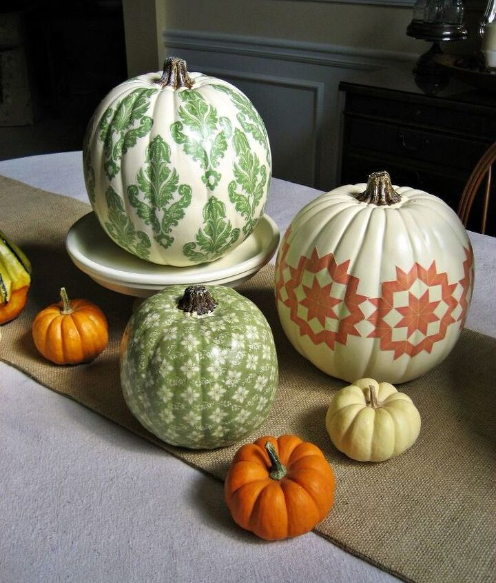 A little nontraditional way to decorate your pumpkins!