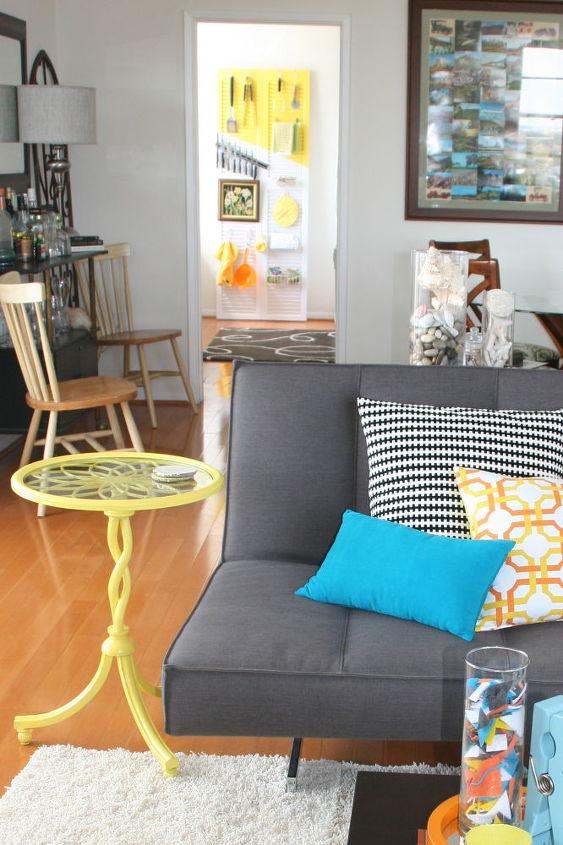 Neutral Living Room W Pop S Of Color Home Decor Ideas