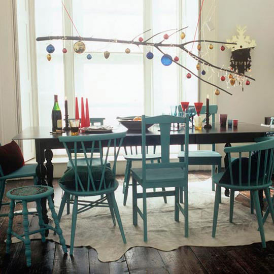 mismatched dining chairs from apartmenttherapy.com