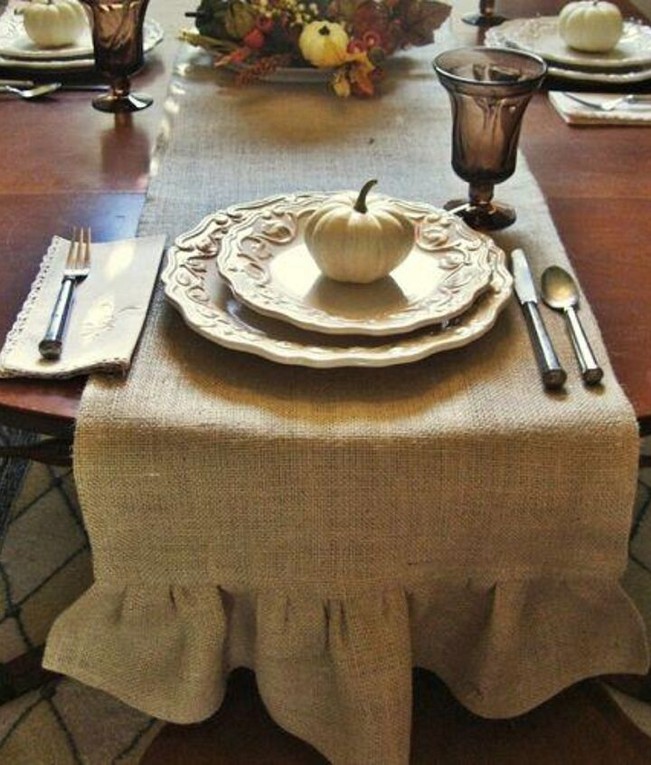 I love the rustic simplicity and the texture that it adds to my tablescape!