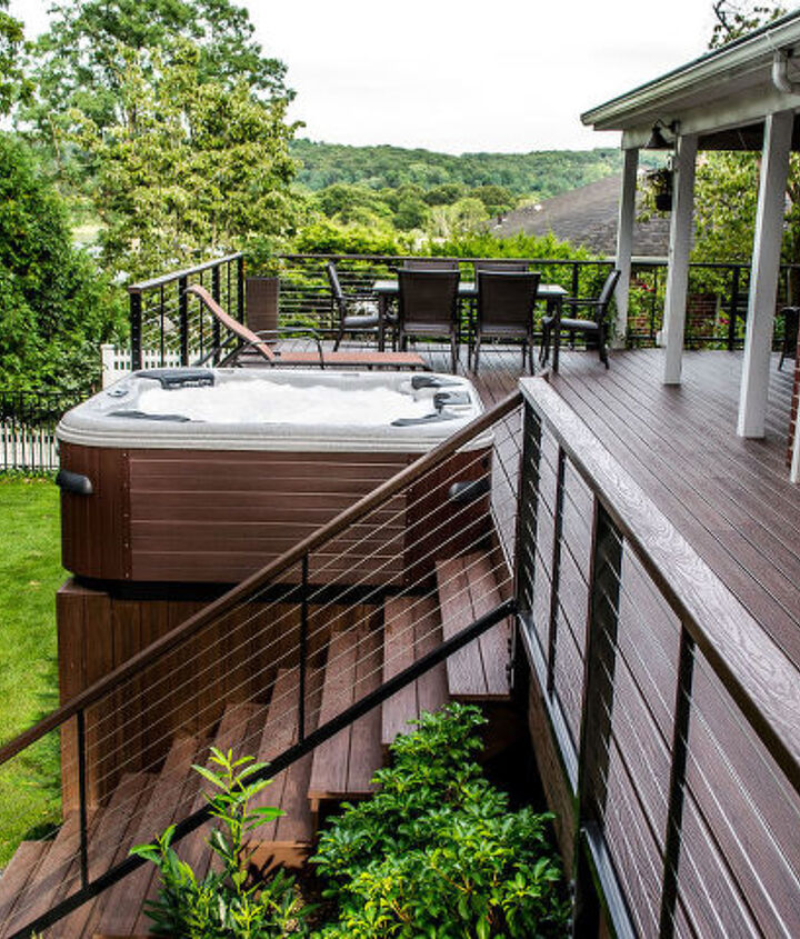 Deck built in Centerport New York with Trex Lava Rock Transend    decking Bullfrog spa and Cable rail.