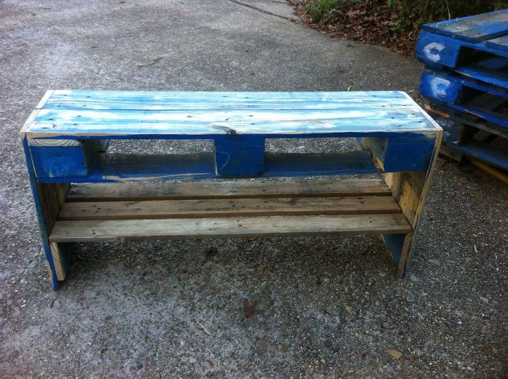 my first attempts at pallet furniture, diy, painted furniture, pallet, repurposing upcycling, shelving ideas, My first pallet creation a bench