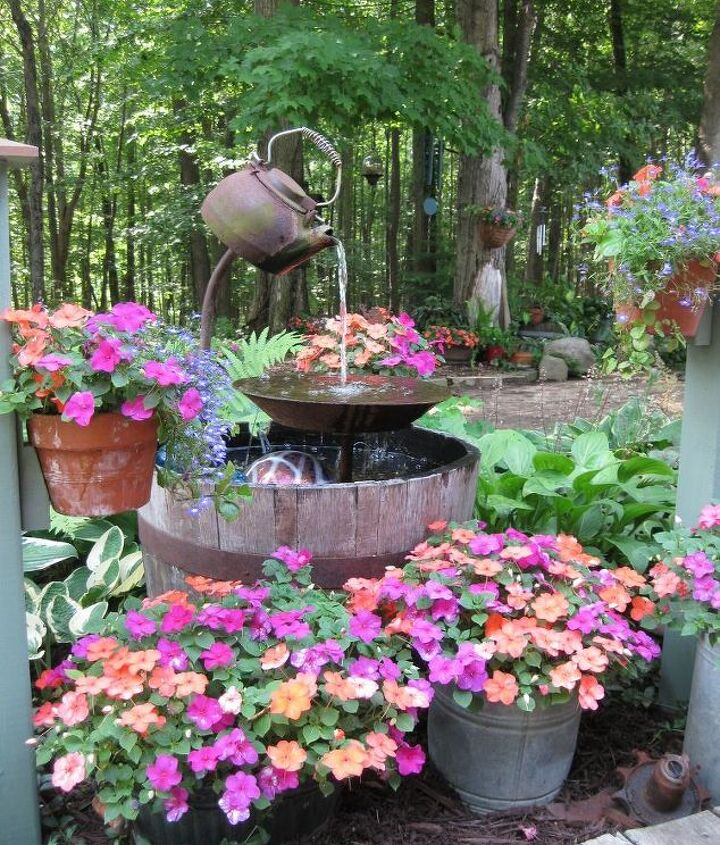 Here is my tea pot fountain in full bloom.