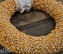 popcorn kernel wreath, crafts, home decor, seasonal holiday decor, wreaths