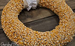 popcorn kernel wreath, crafts, home decor, seasonal holiday decor, wreaths