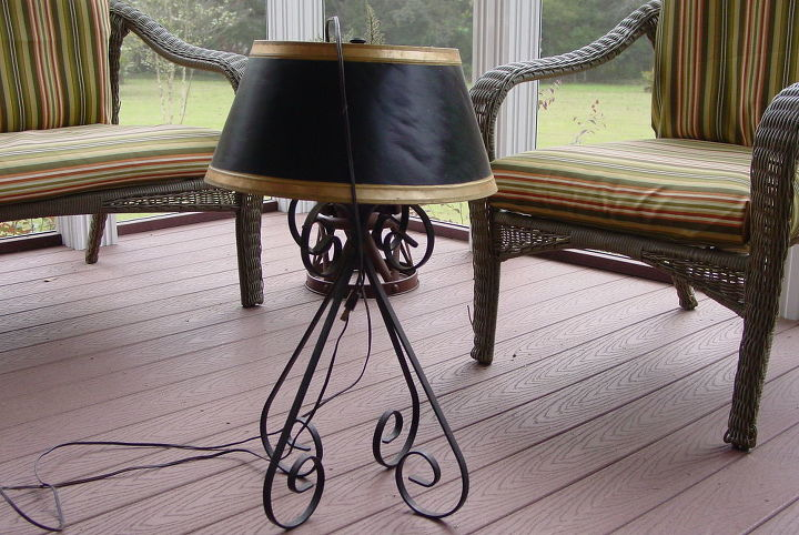 thrift store lamp is now a beautiful candleabra, home decor, lighting, repurposing upcycling, This old lamp has been around a long time and I think it is time to give it a new life
