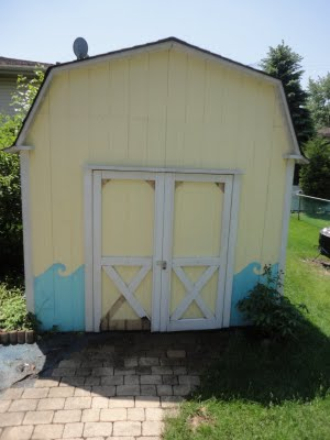This was the eyesore that was my backyard shed.  It had fallen into disrepair and needed some TLC.