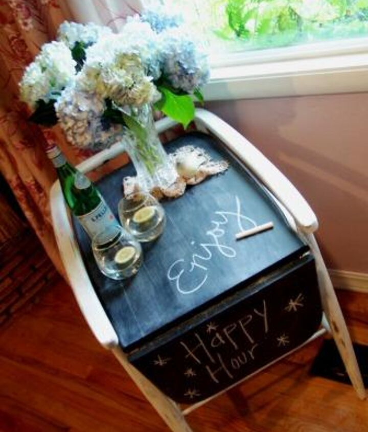 The finished cart, complete with a chalkboard top!