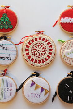 eight embroidery hoop ornaments for everyone on your christmas list, crafts, Eight ornaments made from embroidery hoops