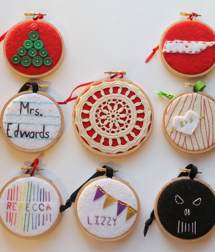 Eight ornaments made from embroidery hoops!  http://www.craftsunleashed.com/index.php/seasonal/hoop-handmade-christmas-ornaments/#
