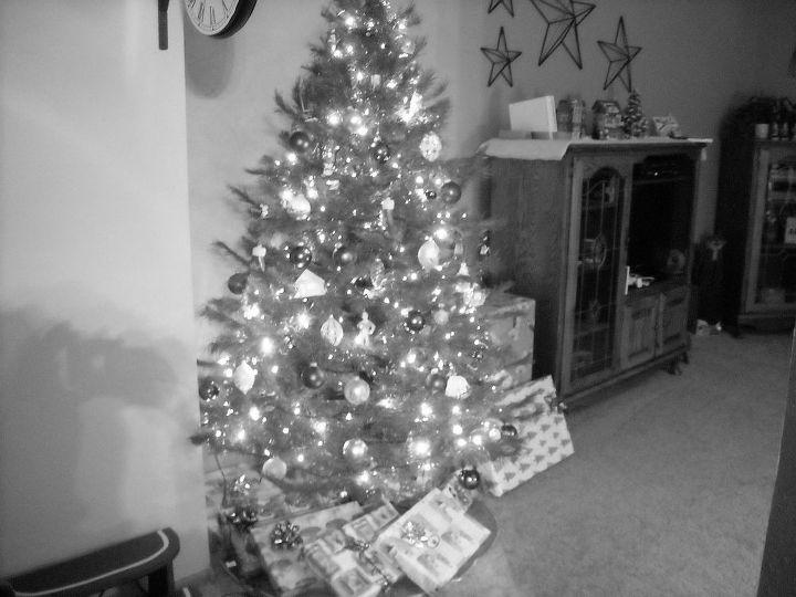is it 1965 or 2012, seasonal holiday decor