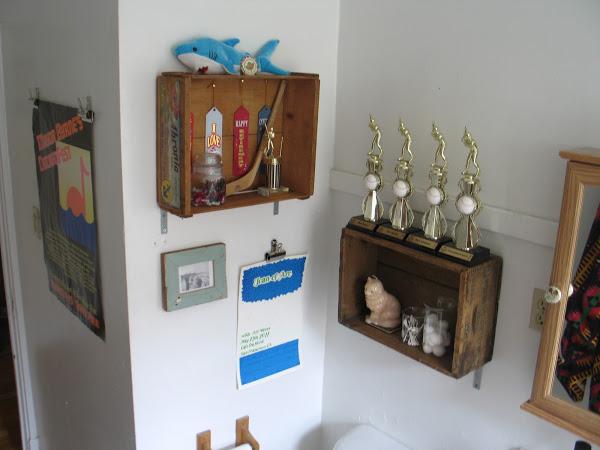 bathroom storage from vintage crates, bathroom ideas, diy, repurposing upcycling, small bathroom