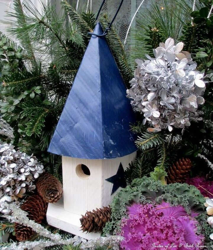 Close up of one of the birdhouse window boxes. http://pinterest.com/barbrosen/