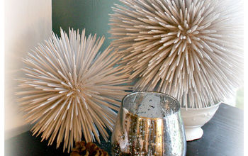 Got any spare toothpicks laying around? Make some fun ornaments!