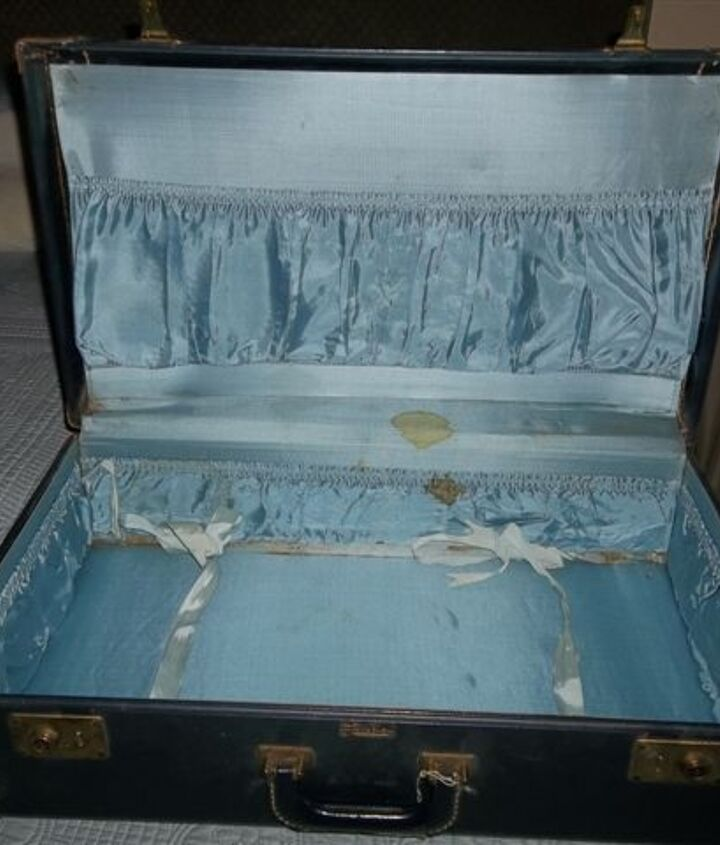 q old suitcases, repurposing upcycling
