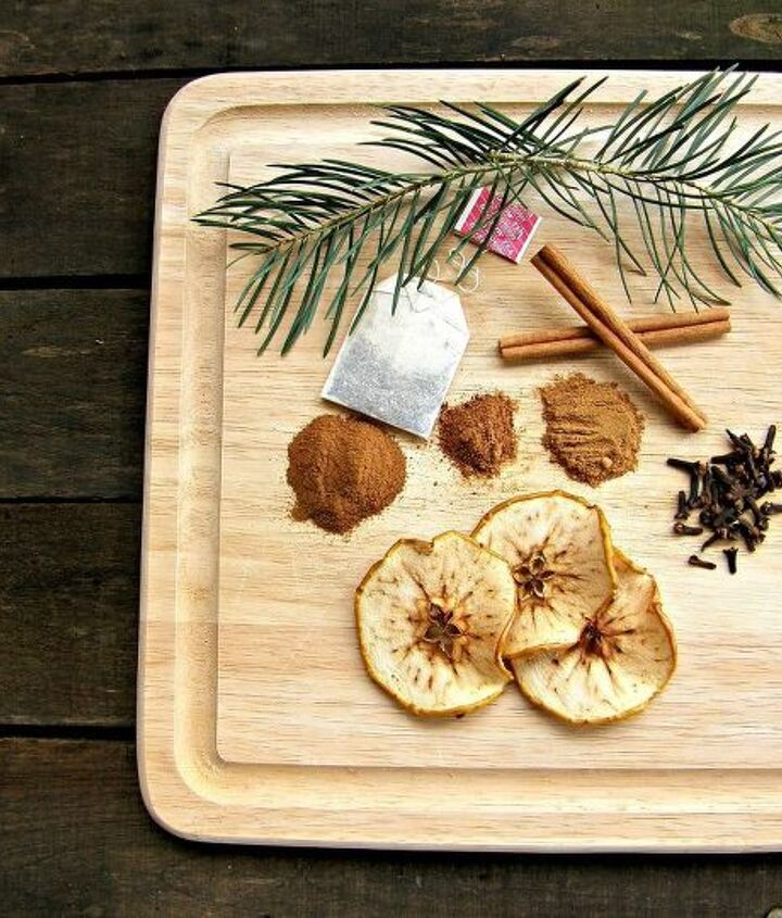 This is a simple recipe to make for your own home or to give in a jar as a great housewarming gift.  Add all of the ingredients in with water or apple cider and simmer on low for hours.  See more at http://christinasadventures.com/2012/12/simmer-potpourri-holiday-entertaining-and-gift-idea.html