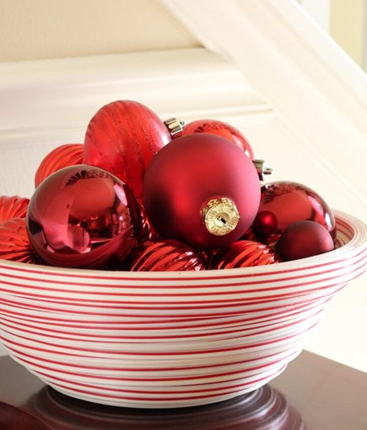 Did you know you could make a bowl from ribbon? Find the details here: http://www.madiganmade.com/2012/12/decoupage-how-to-make-ribbon-bowl.html