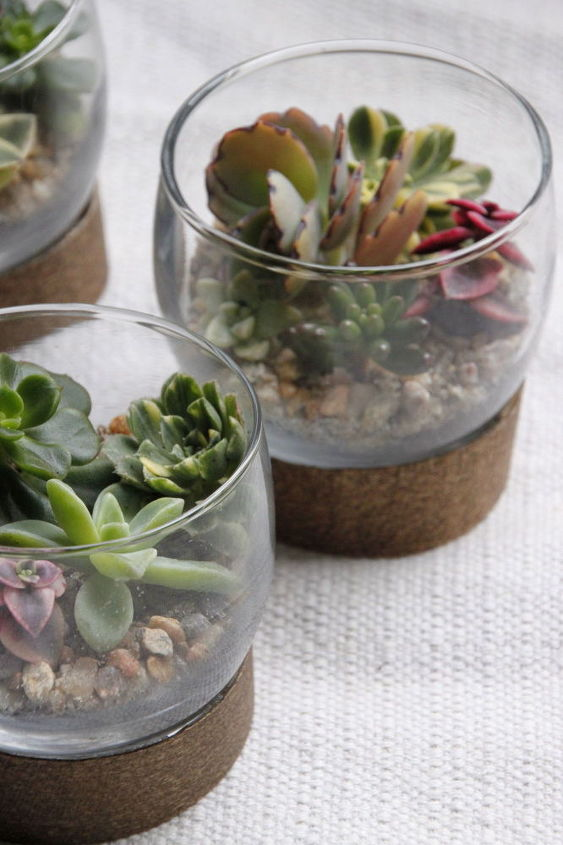 this adorable table setting doubles as a take home gift, flowers, gardening, seasonal holiday decor, succulents, terrarium