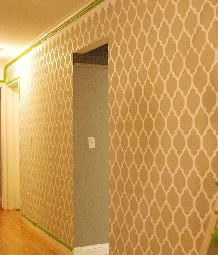 stenciling the hallway and dining room, dining room ideas, home decor