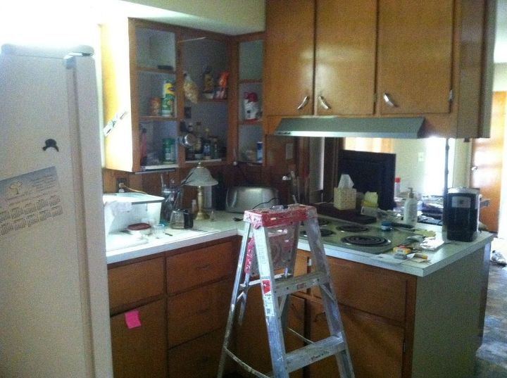 Simple, Inexpensive Updates to 1950\'s Kitchen | Hometalk